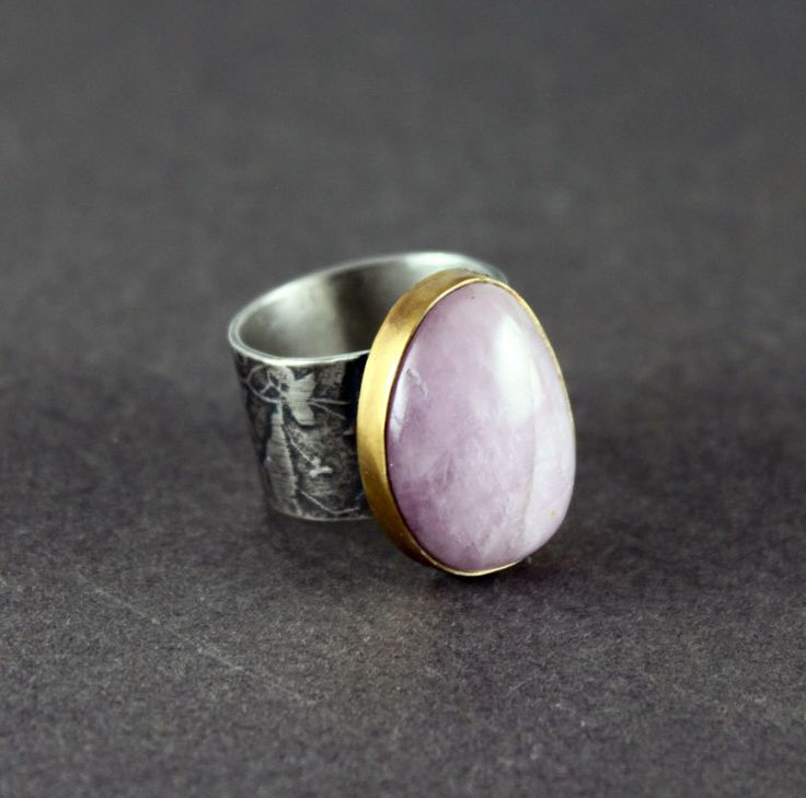 Pink - retro ring with kunzyt and gold, silver coctail ring, goldplated, etched ring by StudioMedusa on Etsy
