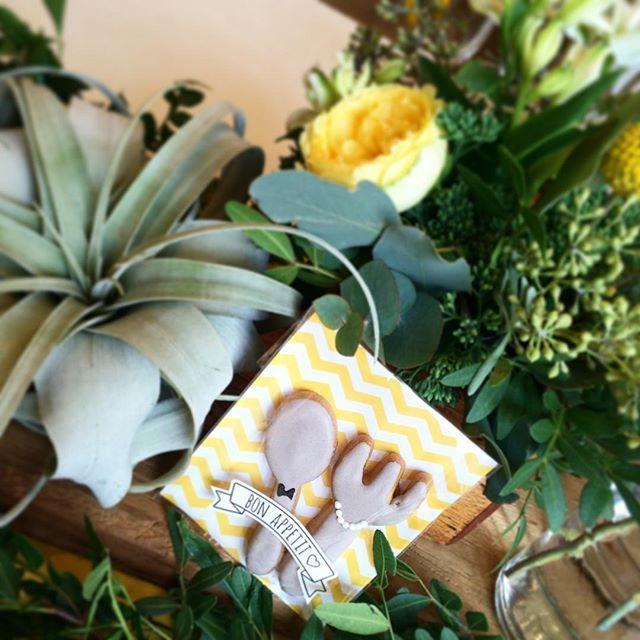 Instagram media takigawa.tsg - BON APPETIT! 楽しく美味しい時間♡がコンセプト。 アイコンはカトラリー!のため、 おふたりのプチギフトは こんなかわいいアイシングクッキー! #TRUNKBYSHOTOGALLERY #wedding #party #event #present #gift #sweets #food  #cutlery #spoon #folk #cookies #結婚式 #結婚 #披露宴 #ウエディング #ウエディングパーティ #プチギフト #引出物 #引菓子 #カトラリー #クッキー #アイシングクッキー #シェブロン #かわいい #結婚式準備 #プレ花嫁 #ゼクシィ #SHIBUYA #chevron