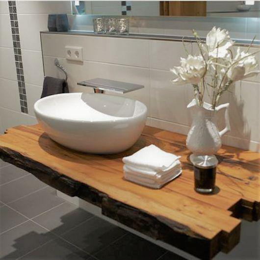 Es muss ja nicht immer gleich ein kompletter Waschtisch mit Unterschrank sein. Ein schönes Brett aus gutem Holz hat doch auch etwas! 😎 (📸abel-i…
