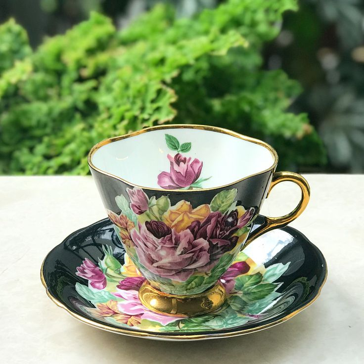 Beautiful & Vintage Teacup by Clerance England
