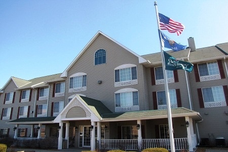 Country Inn & Suites By Radisson, Coon Rapids, Mn - Country Inn & Suites Coon Rapids is rated 3 stars and is placed about 7 km from American Association of Woodturners Gallery. Built in , the lovely hotel was renovated in