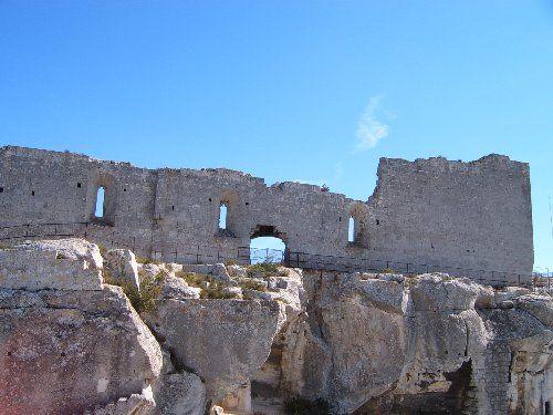 Les Baux de Provence, au milieux des oliviers