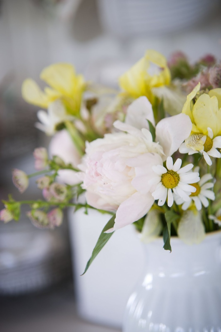 spring flowersArrangements Ideas, Spring Flowers, Pretty Spring, Floral Beautiful, Flower Arrangements, Spring Arrangements, Flower Spring, Pretty Flower, Friendliest Flower