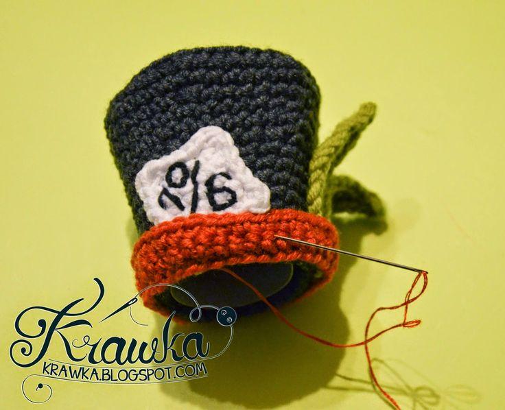 Mad hatter's hat hair clip hairpin, hair decoration alice in wonderland's accesory hair accesory, free pattern, crochet craft, crazy, cute, szalony kapelusznik, szydełkowy kapelusz spinka do włosów, for hair, darmowy wzór na uroczą spinkę do włosów w stylu Alicji z krainy czarów