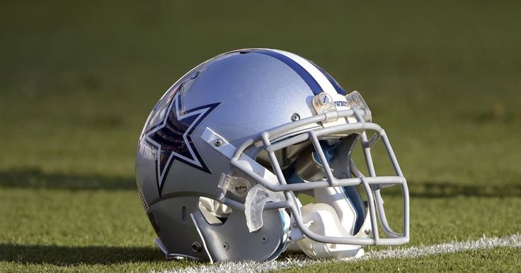 Former Cowboy Player Dies At Game watching Cowboys vs. Giants - October 30, 2015  While there has been plenty of talk this week concerning the action on the field from this past Sunday's NFC East matchup between the...