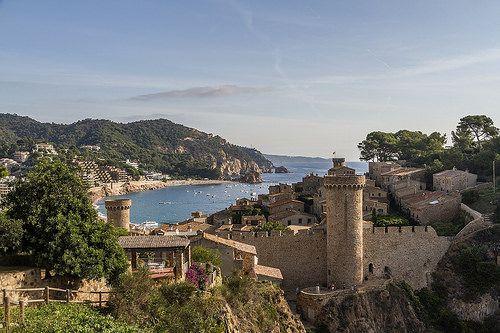 Tossa de Mar, dentro de la muralla | Tosa de Mar, parte viej… | Flickr
