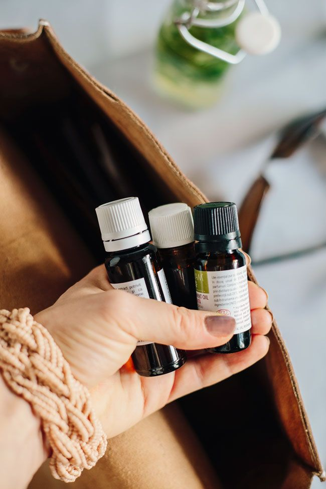 How to Stock Your Natural Medicine Cabinet   http://helloglow.co/how-to-stock-your-natural-medicine-cabinet/