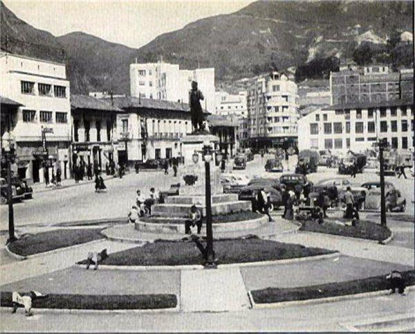Bogota Antigua _Plaza de San Victorino, 1960