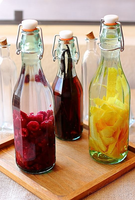 Home-made Extracts~These make an awesome gift! Great info to make all kinds of extracts , orange, lemon, vanilla etc. Also homemade Chambord and limoncello. Always use organic fruit when making these.
