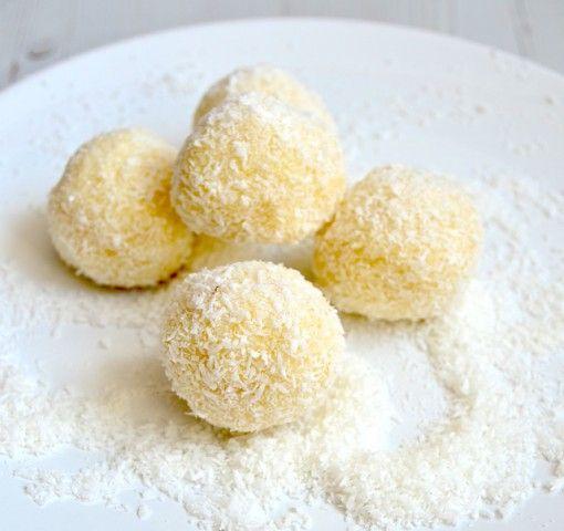 Voor de foodblogswap maakte ik deze super lekkere en simpele kokos truffels.