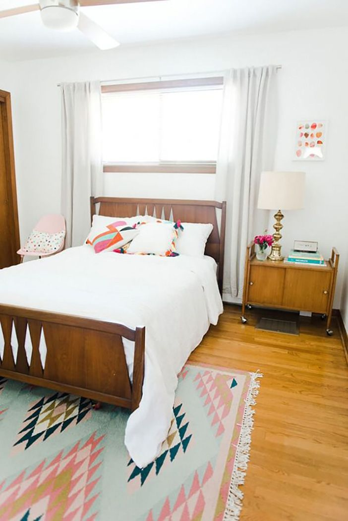 bright kilim in bedroom