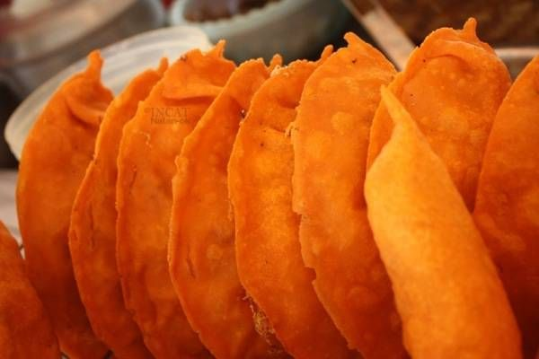 Make this all-time Ilocos favorite right at home! Check out this easy VIGAN EMPANADA Recipe! See ingredients and procedure here.