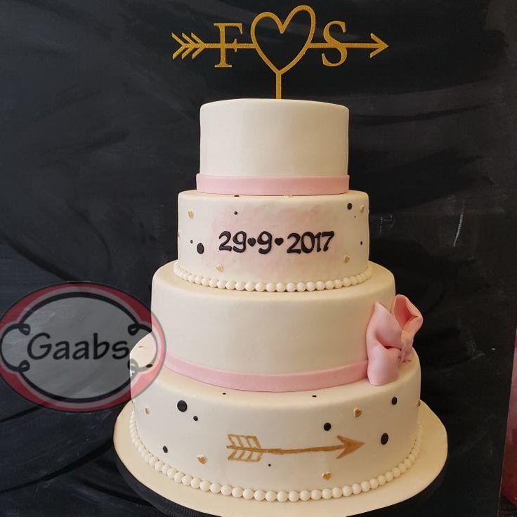 Weddingcake pink black and gold