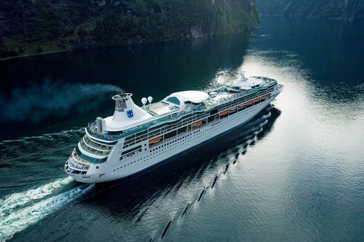 Beauty and History of the Arabian Gulf on Board Vision of the Seas