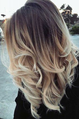 Shoulder-Length Two-Toned Hair Cut