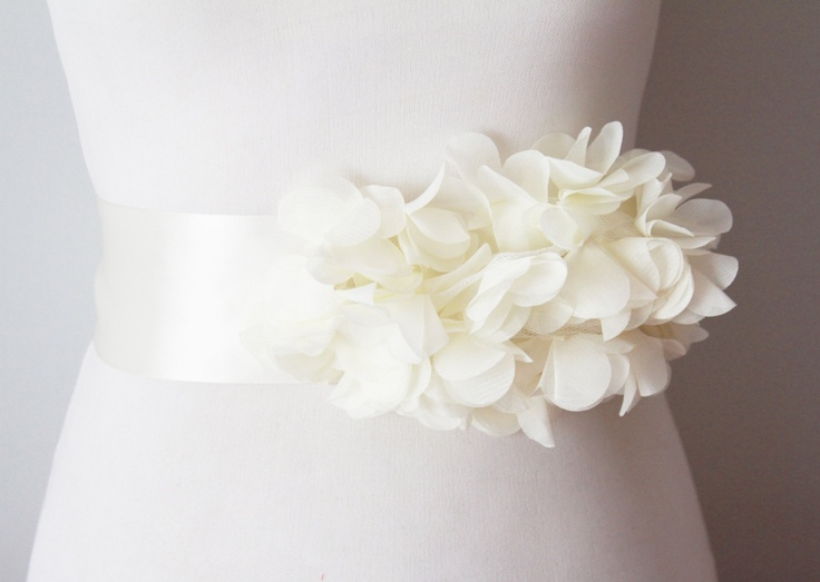 Bridal ivory chiffon flower sash posh ribbon belt for Vintage wedding dress belts