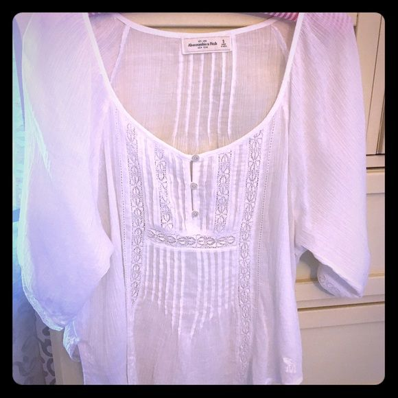 Abercrombie & Fitch poet shirt In EUC  please feel free to bundle  Abercrombie & Fitch Tops Tunics