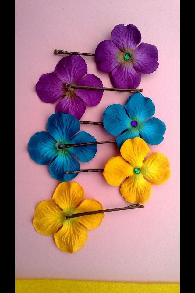 Hawaiian theme bobby pin flowers Myworld.ebay.com/Myas922
