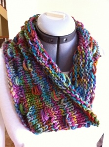 cuellos de lana: Scarves Cowls, Versatile Articles, Knits Crochet, Cowls Patterns, Knits Scarves, Cowls Shawl, Img1023 Wraps, Free Patterns, Fiber Art