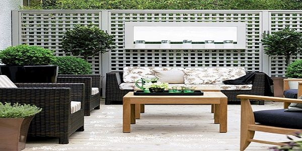 Stylish Outdoor Living Room with Spacious Garden