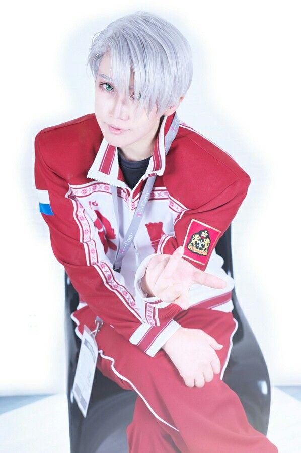 Omg, He look so precious ~333 Victor Nikiforov - Yuri!!! on ice Cosplayer - reika #Cosplay