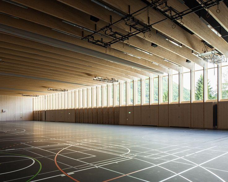 Athletischer Holzbau - Sporthalle im schweizerischen Sargans