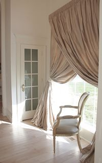 Love how the drapes overlapDining Room, Big Windows, Hang Curtains, Hanging Curtains, Living Room, Master Bedrooms, Window Treatments, Windows Treatments, Double Layered