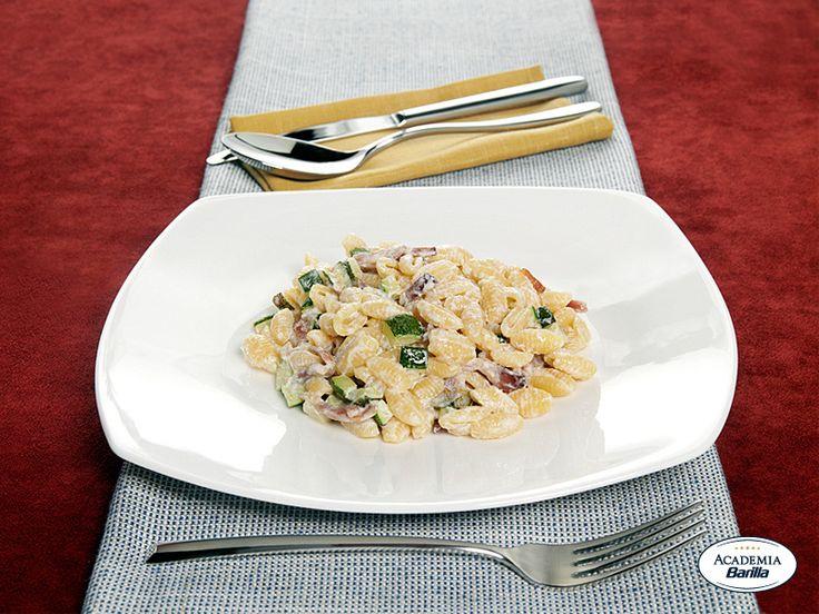 Gnocchetti Sardi con robiola, zucchine e speck