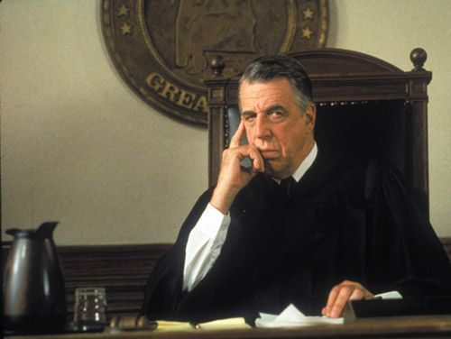 Fred Gwynne as Judge Chamberlain Haller in MY COUSIN VINNY ...