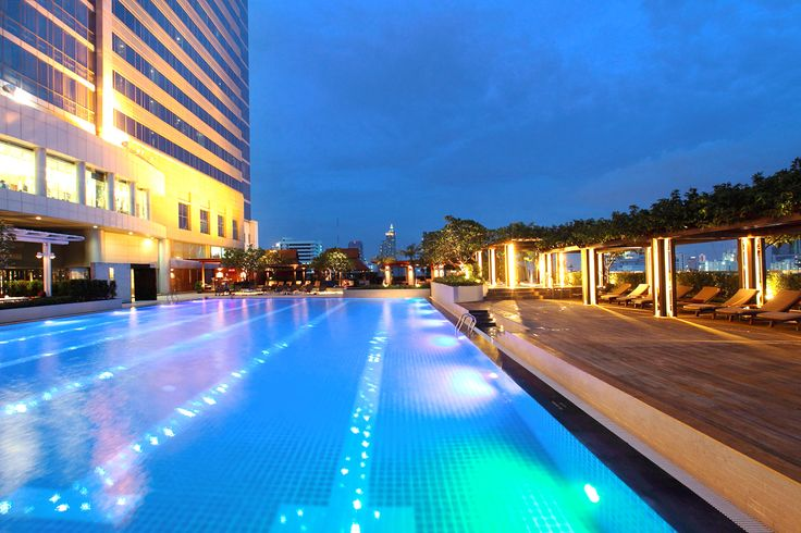 Pathumwan Princess Hotel Bangkok is proud to offers Luxury Swimming Pool in our 5 Star Hotels. Visit us today for more details and booking