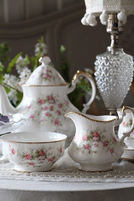 """「イギリスアンティーク パラゴン""""Victoriana Rose"""" クリーム&シュガーボウル 」ココン・フワット Coconfouato [アンティーク照明&アンティーク家具] フレンチアンティーク キャニスターセット ホーロー 陶器 テーブルウェア --kitchen--"""
