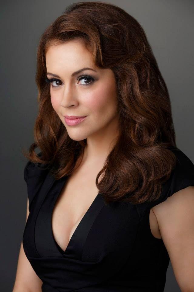 Season 2 - Alyssa Milano as Savannah 'Savi' Davis
