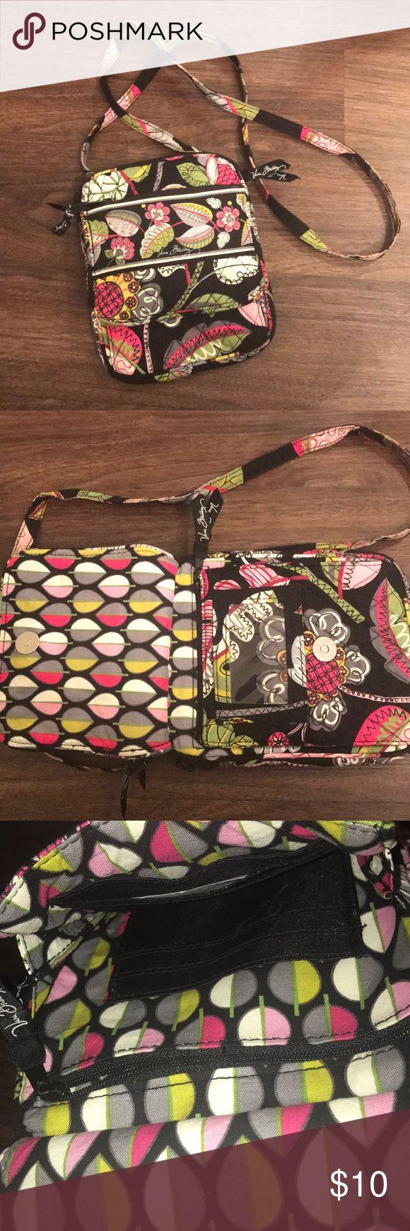 Vera Bradley purse Soft Vera Bradley purse, several useful pockets Vera Bradley Bags Crossbody Bags