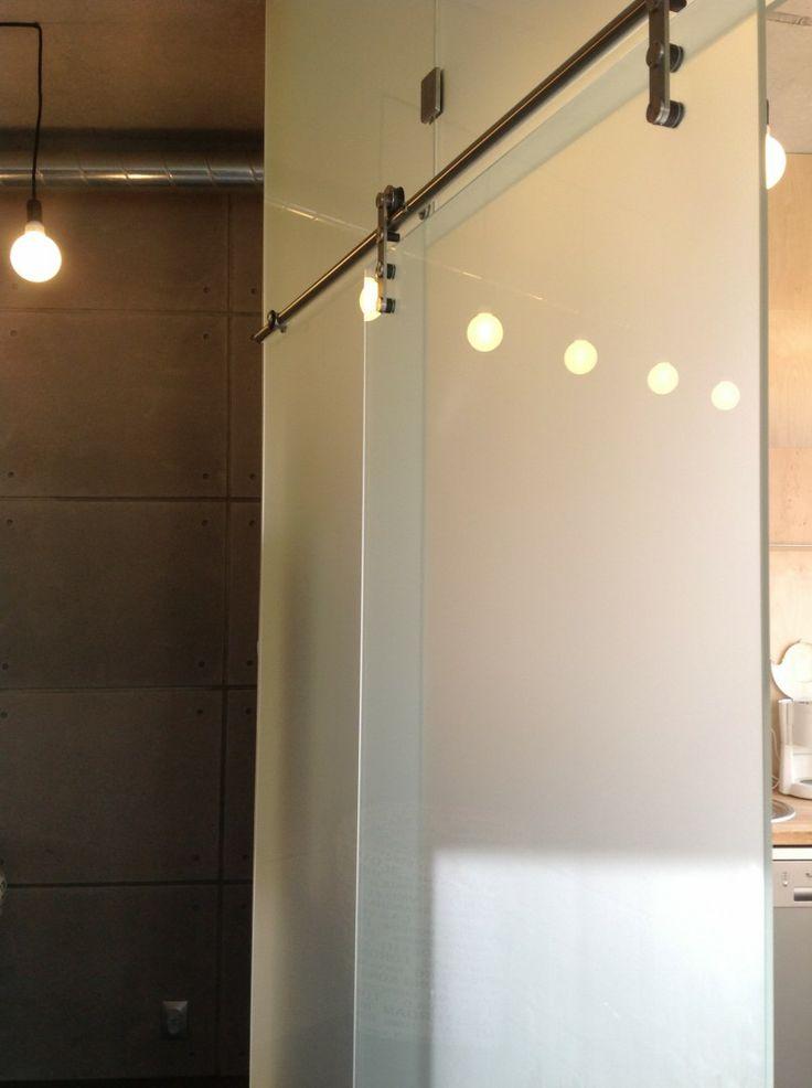 Biuro Gdańsk - drzwi szklane Produkt Satinovo na systemie przesuwnym