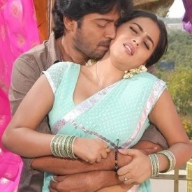 Poorna Getting Hot in Intimate Scenes http://www.letit.info/archives/25.html