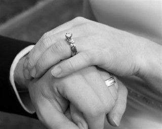 «Τι ενώνει περισσότερο τον άνδρα με την γυναίκα;»