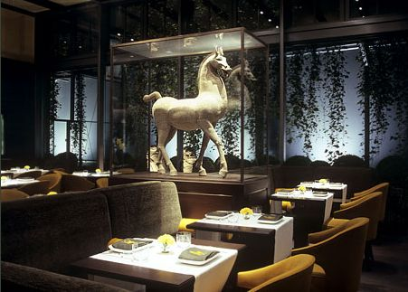 MA Restaurants Berlin - Tim Raue - Adlon Collection - shochu BAR - uma Restaurant - Krug Champagner - e-concierge Empfehlung