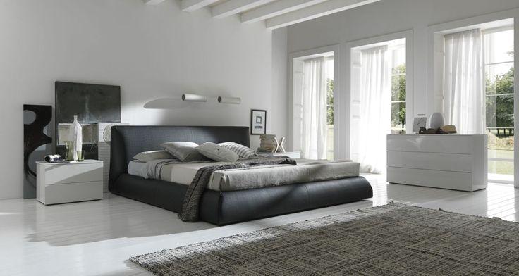 20 ιδέες για την διακόσμηση της κρεβατοκάμαρας με μαύρο κρεβάτι