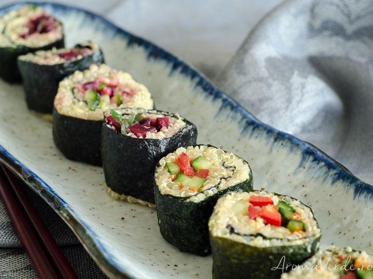 Sushi vegan cu legume și quinoa. O rețetă vegană și extra delicioasă de sushi reinventat: avem cereale fără gluten, adică quinoa și multe legume crude.