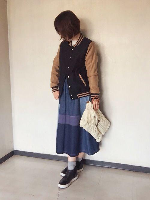 メンズライクgirlyな秋冬コーデ☆ メルトン生地のスタジャンは、暖かいのに重くなくて羽織りやすい。
