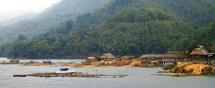 Hoa Binh Lake, about 30 km from Mai Chau. #vietnam #hoabinh #lake #travel #wander #maichau