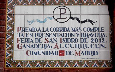 MADRID La CAM descubre un azulejo y mosaico Los Lozano, emotivo homenaje en Las Ventas - Mundotoro.com #Madrid