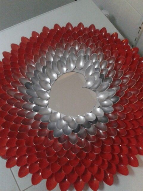 Best 20 spoon mirror ideas on pinterest for Plastic spoon flower mirror