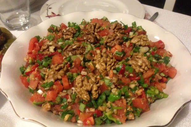 Gavurdağı Salatası; Geleneksel Türk Mutfağından Leziz Bir Salata