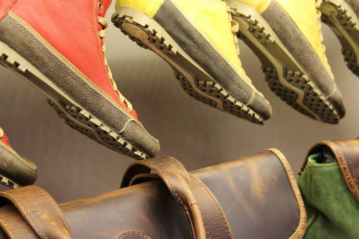 Rolling en Tacones Lejanos   #aguapatagona #soles #leather #rubber #bones #marcapaisargentina #shoes #boots  #argentinadesign  #Girona #CostaRica #BuenosAires #SanTelmo #SANDALS