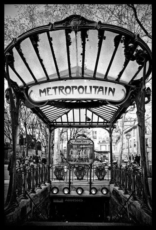 L'entrée du métro style art nouveau, Paris