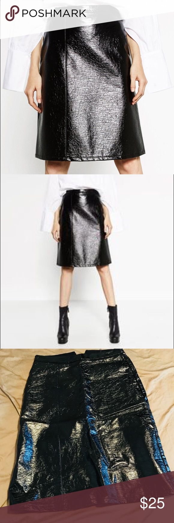 Zara patent faux leather midi skirt small New With Tags!! Runs a little small •fast shipping •smoke free/ pet free home •prices are negotiable  •more pictures available upon request •don't be shy to send some offers 👐🏽 ‼️need to get rid of everything‼️ Zara Skirts Midi