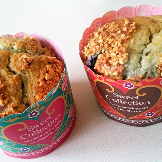 いつもどおりホットケーキミックスで作りました。 味は良いものの見た目が青で恐ろしかった(笑)  次はクリームチーズ入れたいと思う!!! - 23件のもぐもぐ - ブルーベリーマフィン by 甘党
