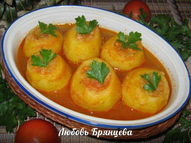 Как приготовить фаршированный картофель в соусе