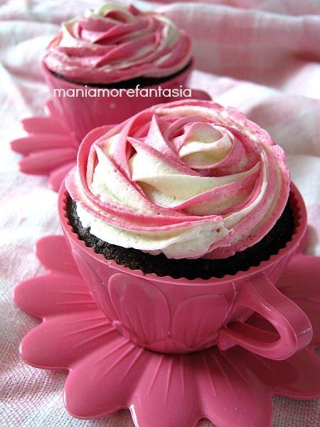 Cupcake al cioccolato con ganache al cioccolato bianco